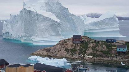 IJsberg van 100 meter hoog bedreigt kust van Groenland: inwoners uit voorzorg geëvacueerd