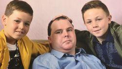 Richard (38) stierf dag op dag tien jaar nadat hij in vegetatieve toestand verzonk na auto-ongeval