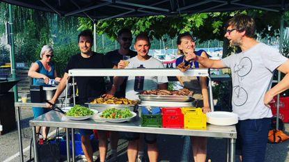 Raf reist twee weken rond als kok van Vive Le Vélo