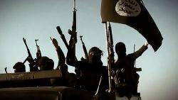 """16-jarige jihadbruid drie weken lang opgesloten en mishandeld in Antwerpen: """"Ik was zijn fokkonijn"""""""