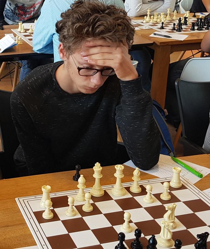 Mick van Randtwijk van ASV tijdens een eerdere wedstrijd.