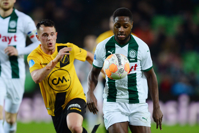 Giovanni Korte zet druk op FC Groningen-matchwinner Zeefuik.