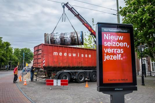 Peperbus aan Tournooiveld wordt verwijderd door komst digitale reclamezuil.
