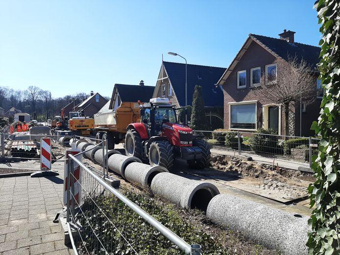 Aan de Molenweg in Klarenbeek vond vannacht in de rechterwoning een gewapende overval plaats.