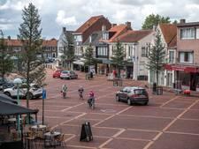 Extra verkeersborden bij Markt Oostburg