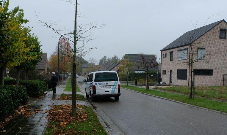 In de woonwijk houdt de politie momenteel een verhoogd toezicht.