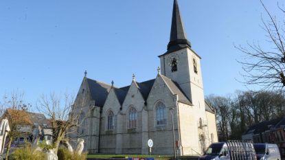 Kerk krijgt eindelijk nieuwe ramen
