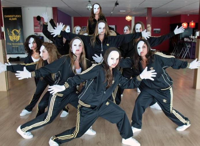 The Black Scorpions in dansstudio Almir. foto Jan Rikken