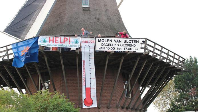 De molen van Sloten zamelde in 2018 geld in voor groot onderhoud.