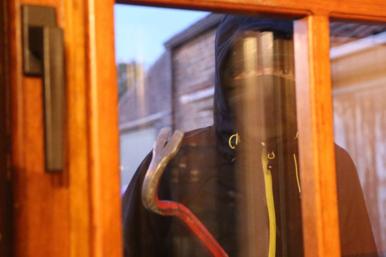 Inbrekers probeerden een raam te forceren