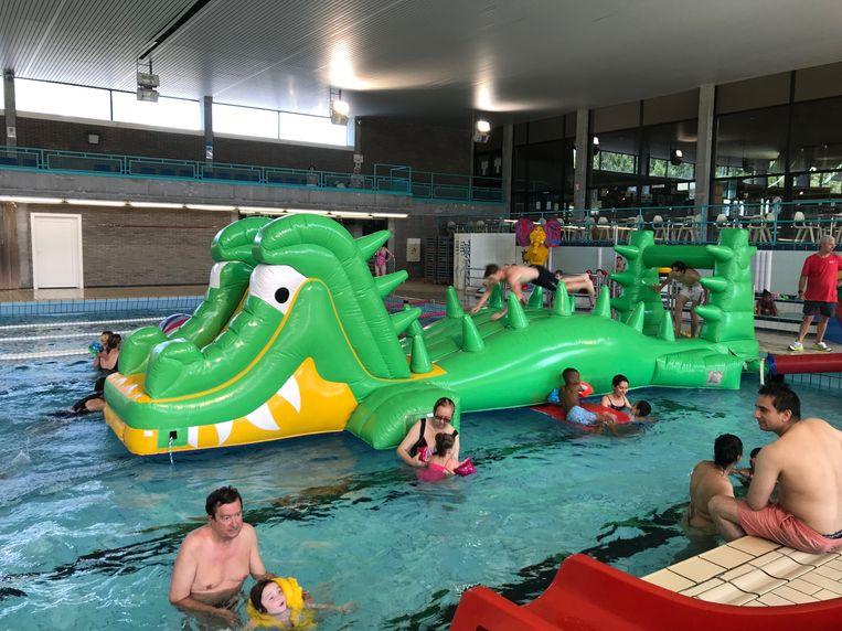 Waterpret in het zwembad van Aalst.