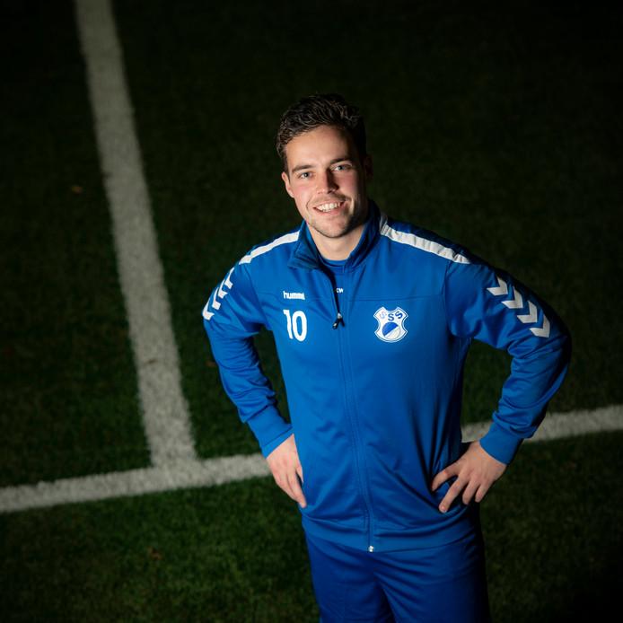 Lars Cornelissen, de nummer tien van SVSSS, is na bijna anderhalf jaar weer terug op het veld.