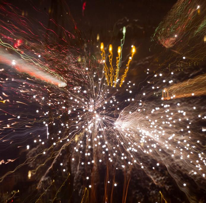 De angst voor escalatie van levensgevaarlijke incidenten waarbij misschien zelfs wordt geschoten is zo groot, dat de vuurwerkshow van het halloweenfeest zaterdag in de Beverwaard door de politie niet wordt toegestaan.