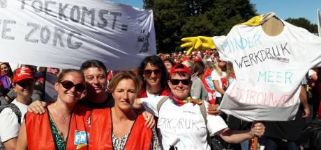 Jeugzorgwerkers Eindhoven en Helmond staken; protest op Malieveld Den Haag