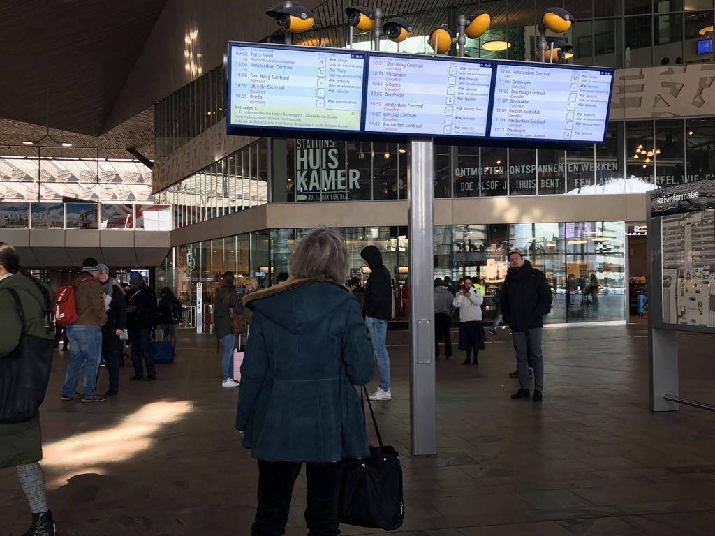 Treinverkeer Rotterdam Centraal rijdt weer volgens het ...