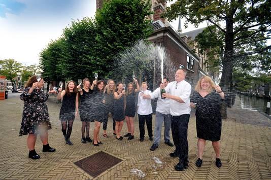 De winst is goed gevierd door het team van DeliCees in Dordrecht.