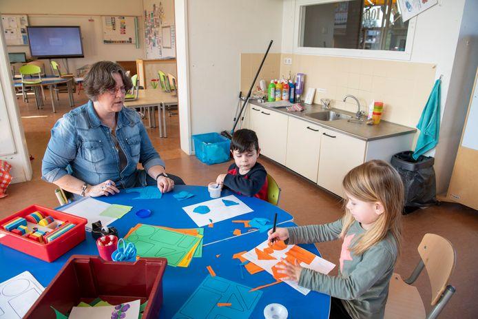 Op de Sterrenschool in Apeldoorn worden twee kinderen opgevangen van ouders met vitale beroepen.