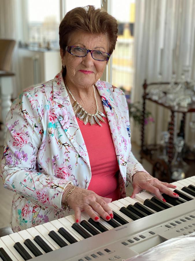 Joke Meijer, alias Orgel Joke.