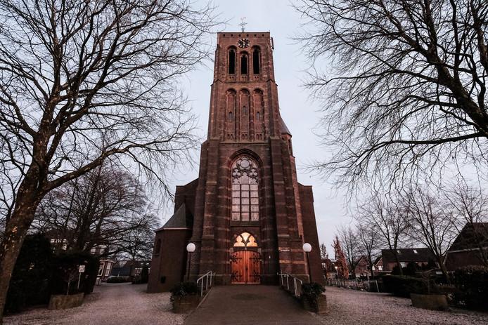 De kerktoren in Azewijn.