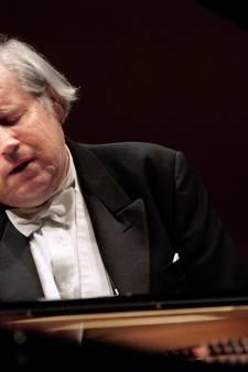 Pianoreus Sokolov houdt Muziekgebouw in zijn greep