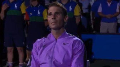 Pakkende beelden: Nadal bekijkt montage van zijn 19 grandslamtitels en kan tranen niet bedwingen