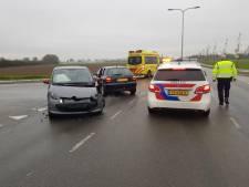 Twee auto's botsen op Berghseweg in Varsselder, één gewonde
