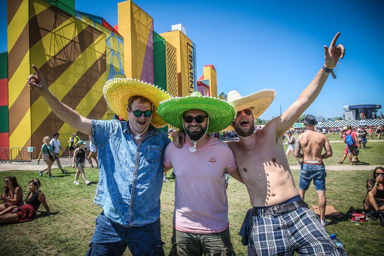 Deze drie heren waanden zich in Mexico met hun vrolijke sombrero's.