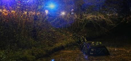 Bestuurder van te water geraakte auto in Uden ging naar huis omdat zijn telefoon nat was
