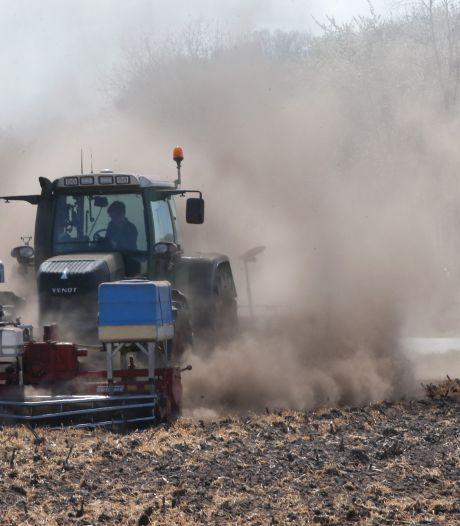 Scheuren in woningen en slechte oogst door droogte; stuw moet deel problemen in Duivense Broek oplossen