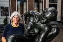Mady Schoenmaker is geboren in Nederlands-Indië. Ze groeide daar tijdens de Tweede Wereldoorlog op onder erbarmelijke omstandigheden.