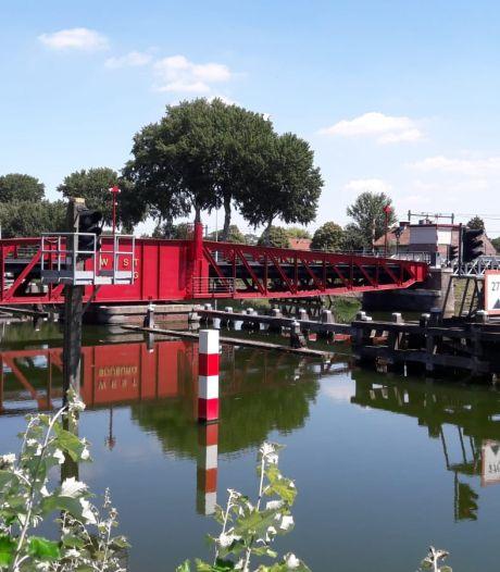 Olievlek nog niet opgeruimd en ook bij Souburg te ruiken