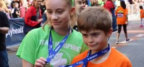 Meisje (15) dat niet meer kon lopen na aanslag rent 'marathon' voor goed doel