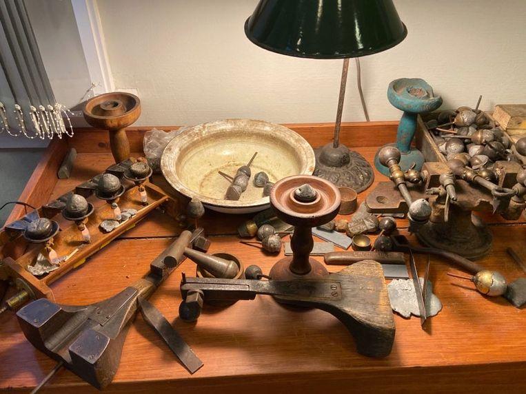 Heel de collectie bestaat uit verzamelde of geschonken erfgoedstukken.