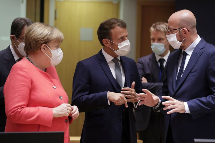 Charles Michel, Emmanuel Macron et Angela Merkel (archives)