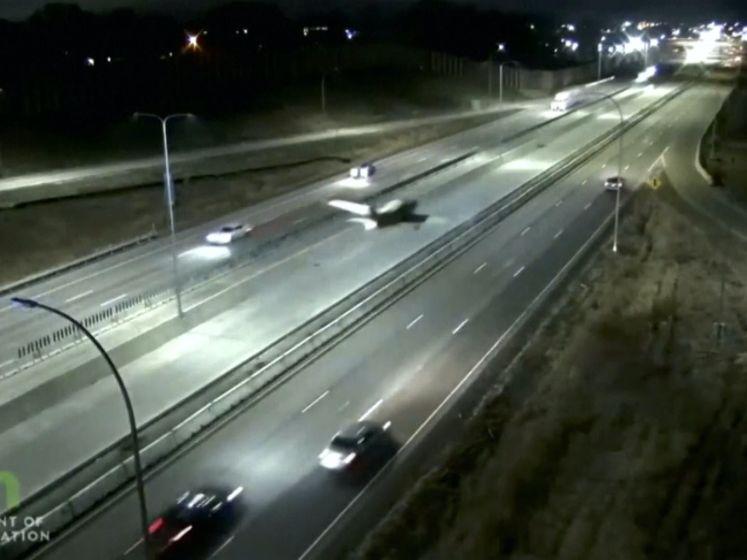 Vliegtuig maakt noodlanding op snelweg in Minnesota