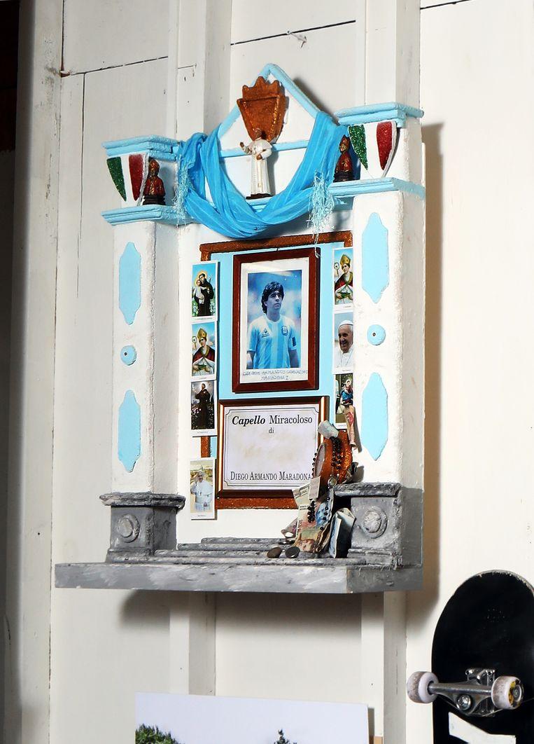 Het Diego Maradona-altaar in het atelier van  Kamp Seedorf.  Beeld Jan-Dirk van der Burg