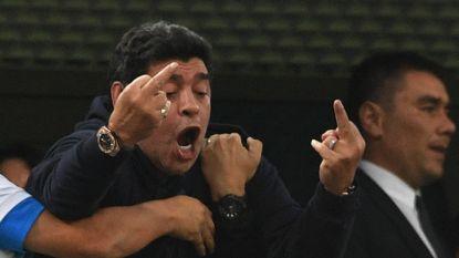 God komt met alles weg: zelfs na dronken show blijft Maradona volksheld