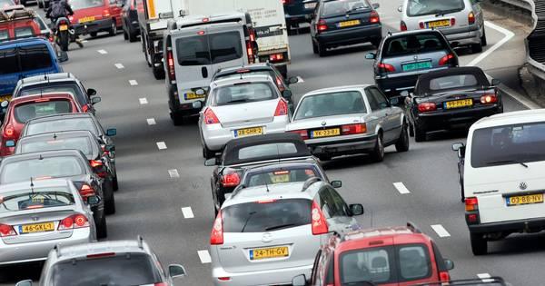 Vertraging op de A7 richting Hoorn door ongeluk.