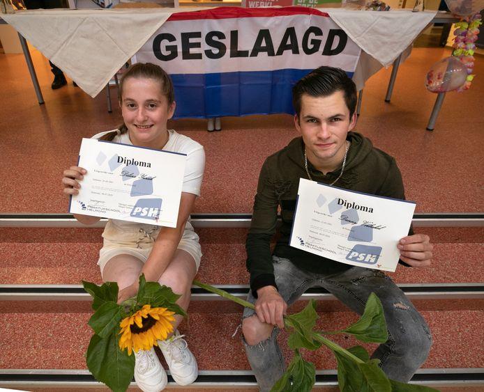 Dilara Yuruk en Danny Verbakel zijn de eerste leerlingen van de praktijkschool met een écht diploma.