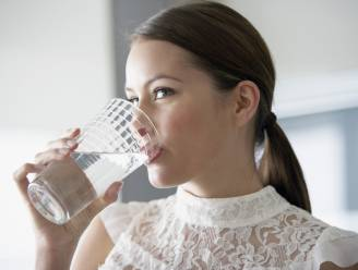 Hoofdpijn? Vergeet pijnstillers, drink water