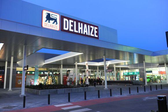 Het filiaal van Delhaize in Shopping Pajot langs de Bergensesteenweg.