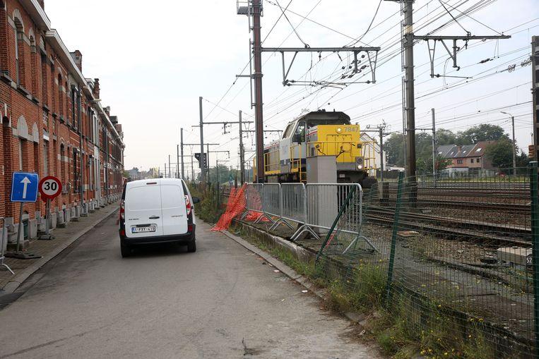 Er wordt gewerkt op de spoorlijn 96 tussen Buizingen en Ruisbroek.