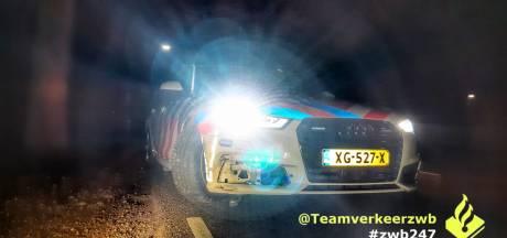 Politie ramt auto van verdachte inbrekers in Tilburg