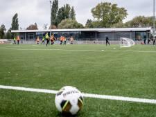 Vertraging met clubhuis dupeert voetballers RVV Blijdorp: geen water, licht en kleedruimte