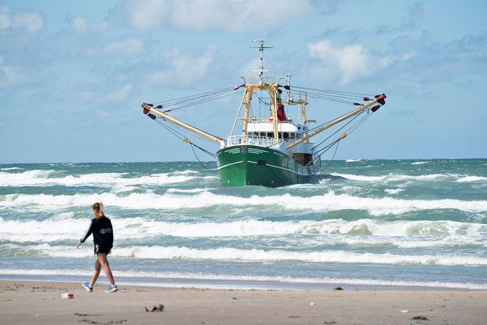 De Urker viskotter UK172 is vlak voor de Deense kust gestrand.