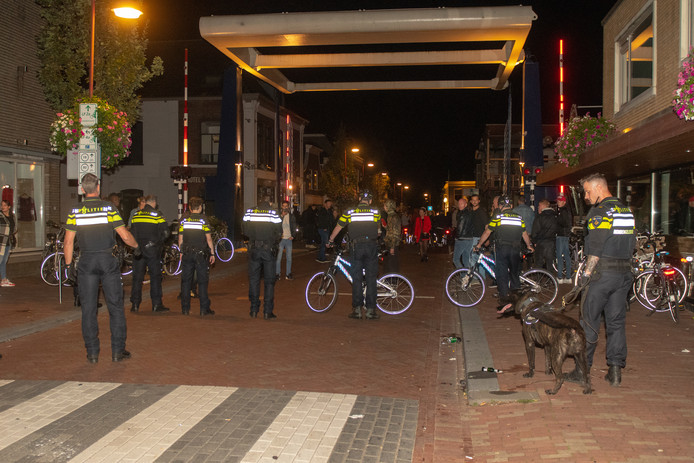 Ongeregeldheden bij de uitloop van de Bodegraafse Najaarsmarkt op de Raadhuisplein