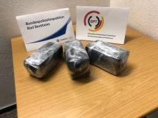 Drugskoerier (27) met 140.000 euro aan heroïne gepakt bij De Lutte
