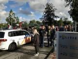 Tientallen boeren in actie: op snelweg bij Apeldoorn en blokkade distributiecentrum Zwolle