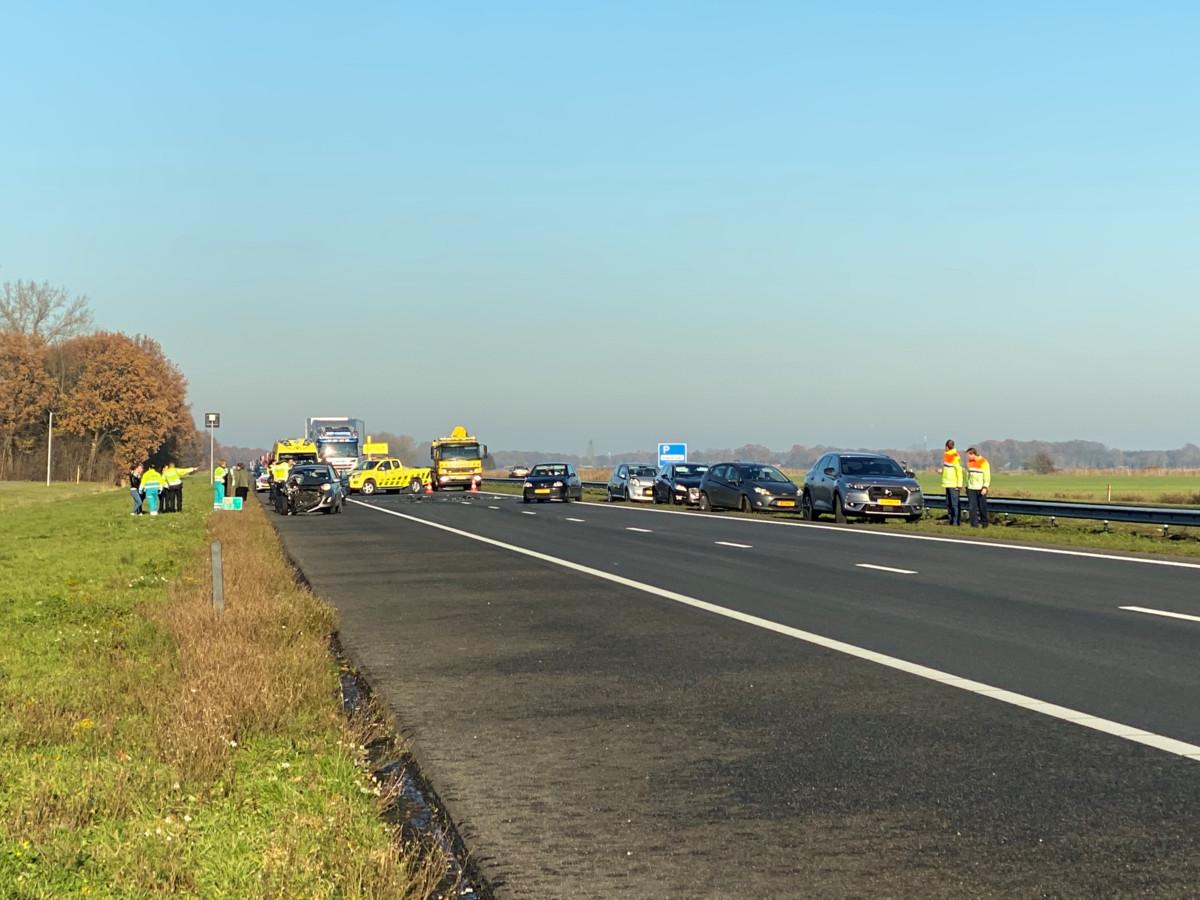 Het ongeval op de A28 met meerdere voertuigen vond plaats tussen Strand Horst en Strand Nulde in de richting van Amersfoort.