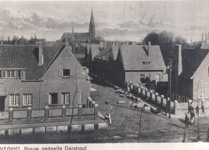 Het nieuwe gedeelte van Dorshout in Veghel, gezien vanaf de Wilhelminalaan, dat later Oranjewijk zal gaan heten.Deze foto is gemaakt rond 1920.